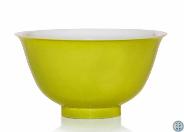 清雍正 秋葵绿釉碗