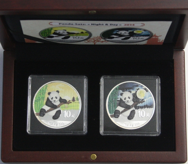 Panda set night & Day 2014.2 X 10 Yuan sitting panda. Always 1 ozsilver with color application. With