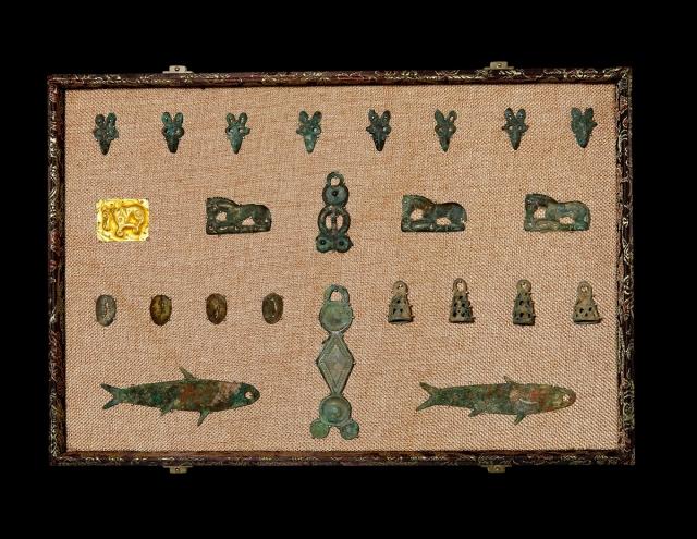 夏–战国夏庤币、仿生金质牛币、狼头币、马币一组24枚 美品