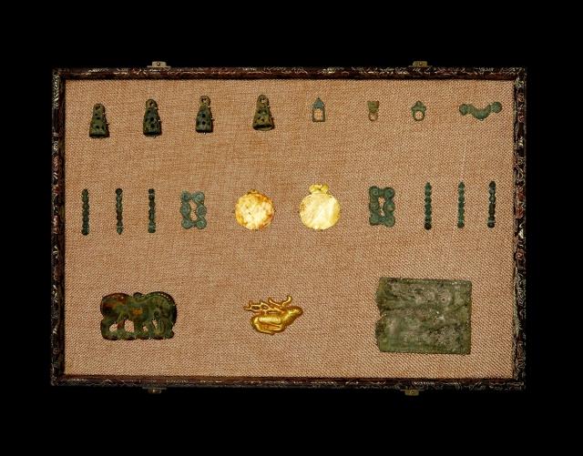 春秋铃铛币、连珠币、仿生金鹿、银鹿一组21枚 美品