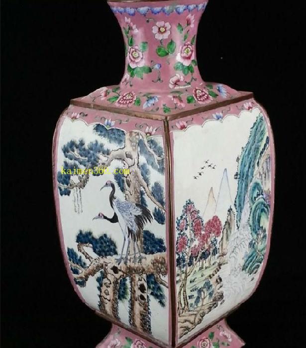 清铜胎画珐琅山水花鸟方瓶