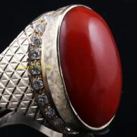 牛血红阿卡红珊瑚嵌天然钻石戒指