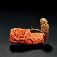 金质嵌宝石鹦鹉胸针