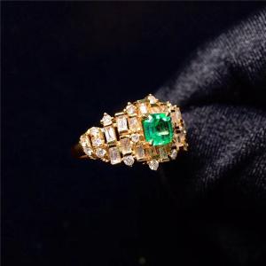 18K金镶祖母绿戒指交易价格