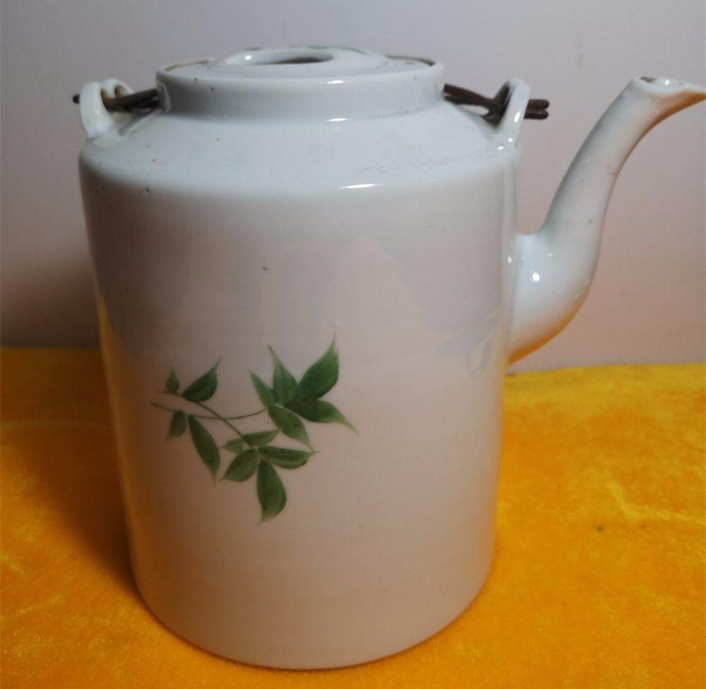 民国红绿彩花卉茶壶