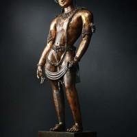 13世纪铜鎏金嵌宝石莲花手菩萨佛像