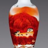 刘伟万山红遍釉上彩瓷瓶