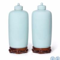 清雍正 粉青釉灯笼式盖瓶