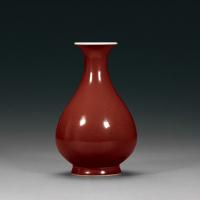 清雍正 官窑霁红釉玉壶春瓶