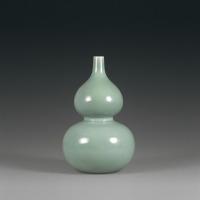 清乾隆 豆青釉葫芦瓶