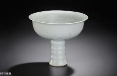 如何鉴定卵白釉瓷