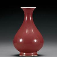 清雍正 霁红釉玉壶春瓶