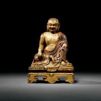 清乾隆 檀香木雕罗汉坐像