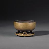 清乾隆 钵式三足连座铜香炉