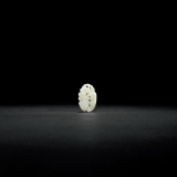 清中期 白玉镂空雕松鼠葡萄坠