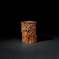 清中期 黄杨木雕梅段笔筒