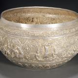东南亚佛教银质錾花大钵1件