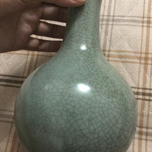 宋代哥窑瓶子