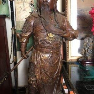 老师帮我看看这个民国关羽青铜像,帮我估估价鉴定真假