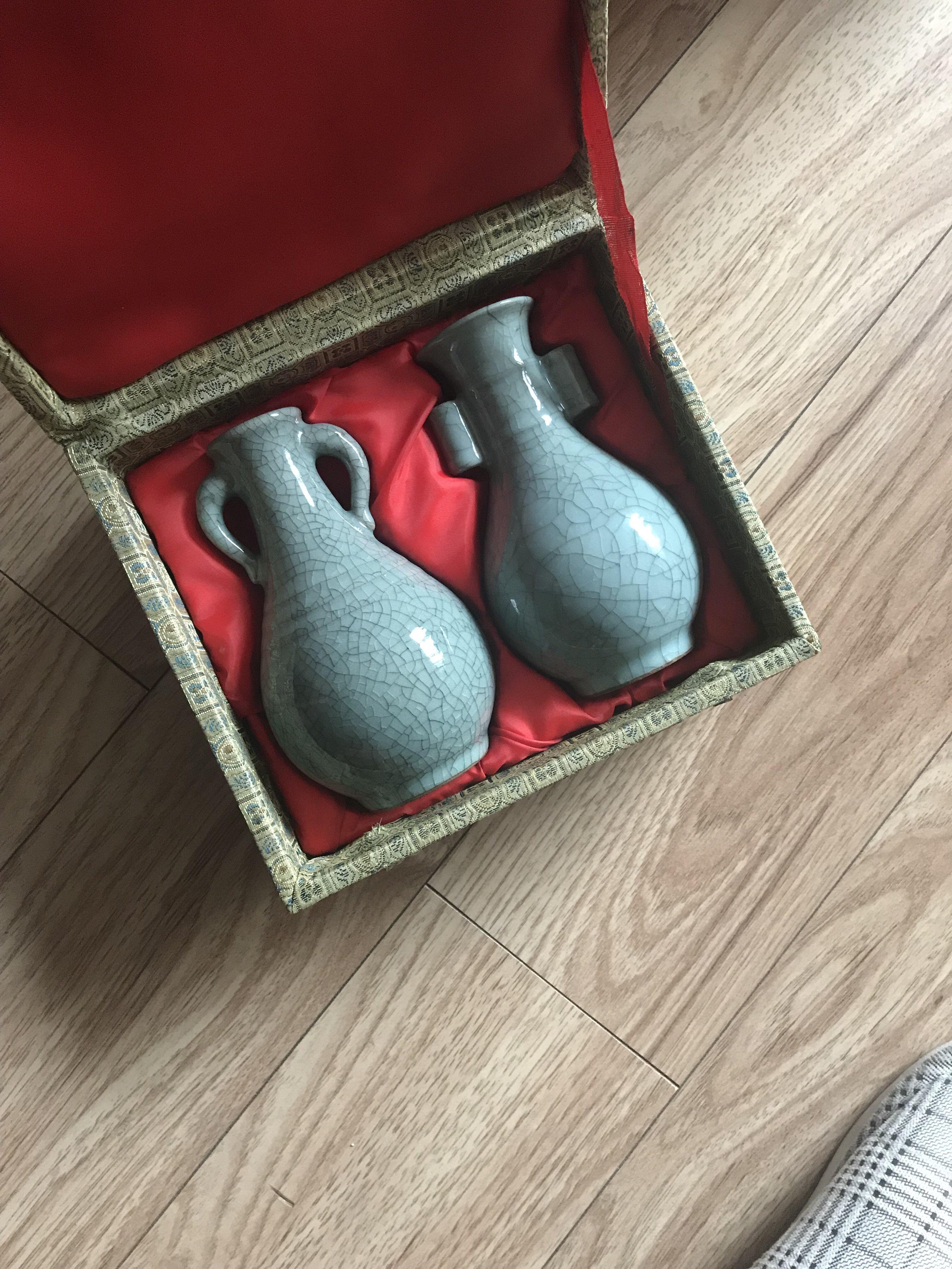 一对耳不一样的瓷瓶鉴定结果