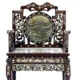 清红木透雕嵌螺钿靠椅