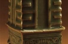 龙泉窑豆青釉琮式瓶