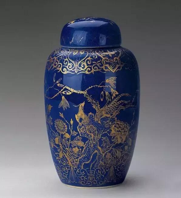霁蓝釉瓷器特性,图文赏析