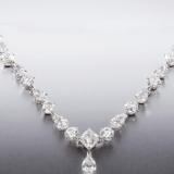 蓝宝石一般值多少钱 和蓝钻石的区别有哪些