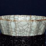 明清官窑仿哥釉瓷器分别有哪些特点