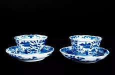 如何鉴别传统景德镇青花茶具
