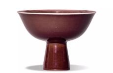 霁红釉最难烧制的琉璃陶器 十分珍贵