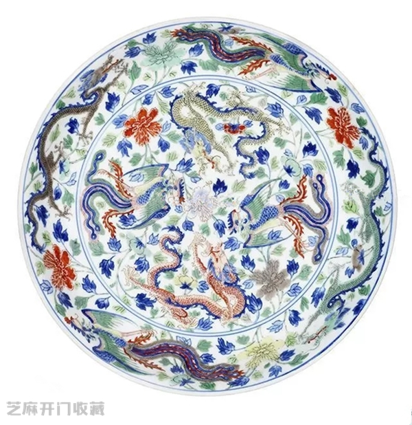 瓷器上面的龙凤呈祥纹饰