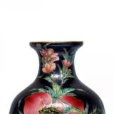 雍正时期寿桃瓶有几个桃子