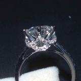莫桑石是最接近天然钻石的一种宝石